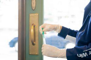 ルミテスターで人の目では確認できない汚れや残留物を検査結果の確認、数値化
